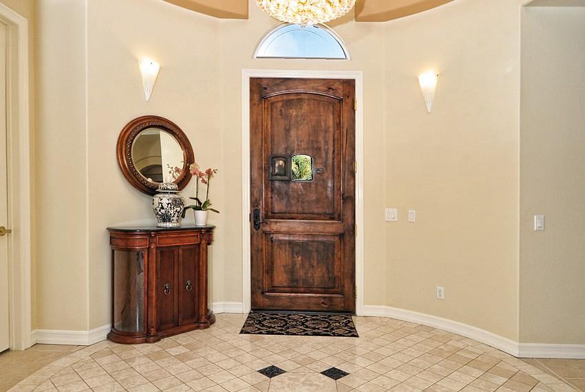 4 Front door entrance